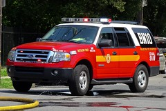 PFD Battalion 10 (Aaron Mott) Tags: philadelphiafire pfd philadelphia philly phillyfire phiadelphiafire philadelphiafirefiretruck pfdfiretruck firetruckpfd firetruck fire firedept firedepartment fireapparatus ford expedition fordexpedition chief battalion