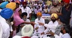 Turncoats are not respected -CM Badal (Punjab News) Tags: punjabnews punjab news government