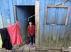 Por A-Moradia-Santo Andr. (nariobarbosa) Tags: porai moradia pobreza garoto nucleopintassilgo periferia santoandre saopaulo brasil brazilian
