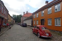 Gamlebyen i Fredrikstad (Odd Stiansen) Tags: oldtown stfold norge norway sommer summer august boble vw veteranbil