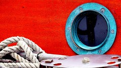 Porthole (patrick_milan) Tags: rope cordage aussire accastillage buoy boue flotteur hublot porthole bout taquet latch