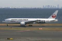 JA8979 Boeing B772 HND 02Dec2012 (Citation Ten) Tags: ja8979 b772 jal specialscheme hnd