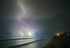 Bolts & Memories (Robyn Hooz (away)) Tags: fulmine mare cuba varadero notte spiaggia beach shore nuvole clouds storm waves onde tempesta