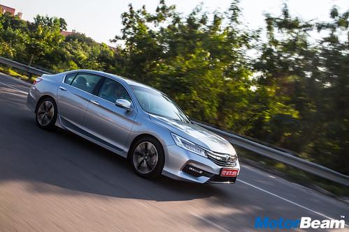 2016-Honda-Accord-Hybrid-8