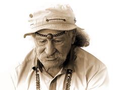 bru1 (Ariel NZ) Tags: retrato bigote sombrero collar hombre