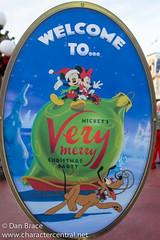Festive fun at MVMCP (Disney Dan) Tags: christmas travel winter vacation usa orlando december florida disney disneyworld christmasparty fl wdw waltdisneyworld mk magickingdom 2014 mickeysverymerrychristmasparty mvmcp christmasseason disneypictures disneyparks disneypics wdwxmas2014