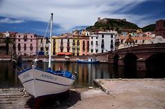 Bosa - Oristano (Massimo Frasson) Tags: sardegna italy landscape barca italia bosa paesaggio oristano villaggio pittoresco