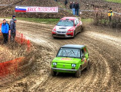 Fiat 126P chased by Lan Evo IX (Dag Kirin) Tags: santa mud fiat rally slide evolution lancer mitsubishi gravel drift domenica 126p