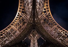 Eiffelcurves (80D-Ray) Tags: paris france lines architecture curves eiffeltower illumination toureiffel