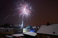 Happy New Year! / Frohes Neues Jahr! (mattrkeyworth) Tags: fog night zeiss germany deutschland nebel sylvester fireworks nacht newyearseve nuit silvester wurzburg würzburg feuerwerk nightset mattrkeyworth sonya7r ilce7r variotessartfe41635 sel1635z