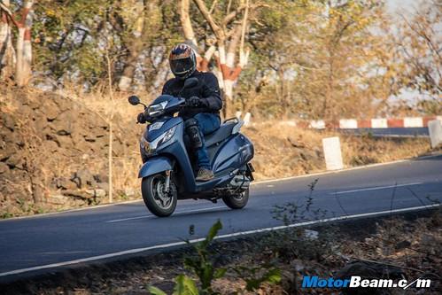 2015-Honda-Activa-125-Long-Term-05