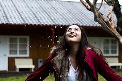 Daniela y la Lluvia. Termas de Catillo. Chile. 2016. (Santiago Azar) Tags: chile rain lluvia outdoor sony daniela sur invierno konica mm manual 50 fro a7 lenses hexanon