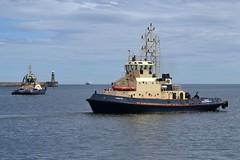 Forth + Svitzer Tyne. Tyne 180716 (silvermop) Tags: sea port river boats ship ships tyne forth tugs tugboats svitzer svitzertyne
