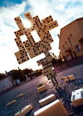 Pieza madre. (Diego V - Fotgrafo) Tags: diegovelandoandrade diego vea velando andrade v magia montaje domino caida