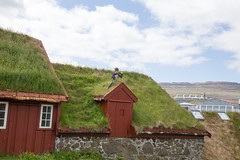 Hey! (kaszeta) Tags: faroeislands trshavn streymoy fo