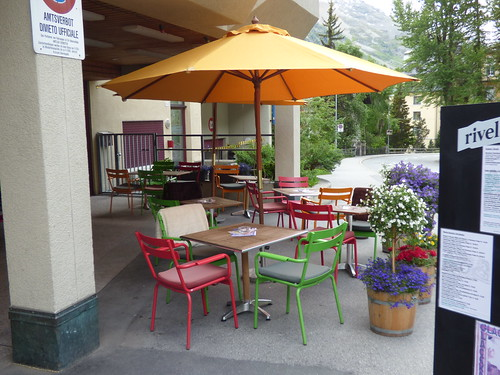 Via dal Bagn, St Moritz - Bobby's Pub - tables and chairs