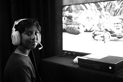 playing Halo Wars 2 (Ian Muttoo) Tags: dsc69561edit x16 microsoft xbox toronto ontario canada gimp ufraw bw xboxone distillery distillerydistrict thefermentingcellar gameshowcase halowars2