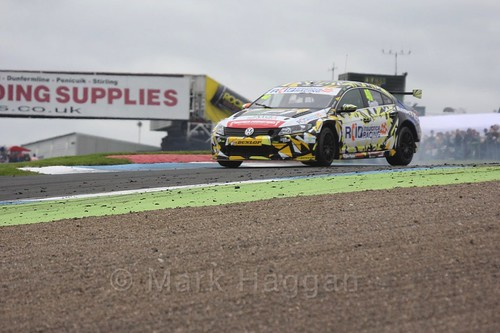 Árón Smith in race two during the BTCC Knockhill Weekend 2016