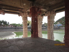 IMG_2010 (velang) Tags: thirukalukundram sangutheertha kulam