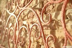 assieme 1 (MarcoAgustoniPhotography) Tags: mattonelle camera hotel ferro battuto rosso dettagli caldo decorazione letto sastore