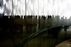 Do outro lado / the other side (Francisco (PortoPortugal)) Tags: 1912016 20160917fpbo3957 terminaldecruzeiros cruiseterminal matosinhos porto portugal portografiaassociaofotogrficadoporto pessoas people franciscooliveira