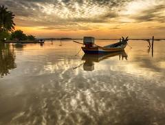 IMG_7826 ~ bayangan pagi (alongbc) Tags: places trip travel coastal sea fishingvillage fishingboats sunrise morning clouds sky canon eos700d canoneos700d canonlens 10mm18mm wideangle jubakar jubakarpantai tumpat kelantan malaysia