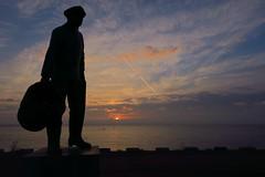 I'm always here (Martine Lambrechts) Tags: im always here water schelde statue sunrise morning