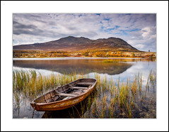 Boat (andreassofus) Tags: landscape grandlandscape nature autumn fall color colorful boat water reflections mountains sky norway rondane rondanenationalpark drlseter blsterdalen september travel travelphotography outdoor hike hiking canon