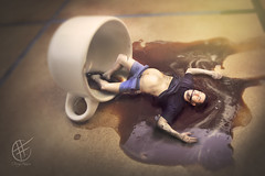 "47- Taza de Caf / Cup of Coffee ""Coffee Addict"" (Teleidoscope) (ferry frias) Tags: cup coffee cafe fineart barriga addicted conceptual taza exceso cafeina adiccion lliadamunt ferryfrias"