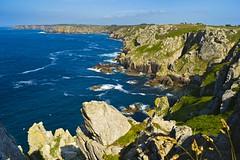 Finistère_Cap Sizun_La pointe du Raz_07_17 (Mathieu Breizh) Tags: ocean sea mer nature landscape brittany europe bretagne du breizh cap pointe gr van paysage raz bzh finistère gr34 iroise sizun
