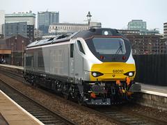 Chiltern Railways Class 68 68010 cruises through Birmingham Moor Street (Oz_97) Tags: birminghammoorstreet 68010 class68