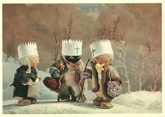 palek (Truus, Bob & Jan too!) Tags: winter cinema color colour film vintage movie three czech puppet postcard screen 1940s kings sound animation movies czechrepublic czechoslovakia 1947 jiri sonoro epiphany orbis sonore tonfilm epiphanie jiritrnka spalicek remagi trnka palek dreiknigen