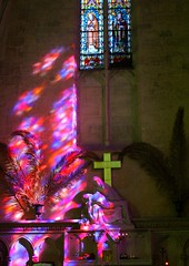 Apaisement de L' me.... Bon Dimanche (jackline22) Tags: france statue couleurs religion statues reflet glise reflets couleur croix aquitaine gironde