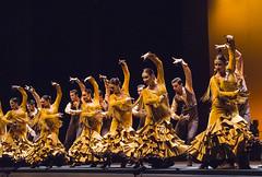 Ballet Nacional de Espaa (DanceTabs) Tags: uk costumes london dance dancers dancing stage performance feria dancer entertainment spanish staged flamenco staging tangos sadlerswells maledancer femaledancer rafaelriqueni suitesevilla balletnacionaldeespaa londonflamencofestival2015 choreographyantonionajarro