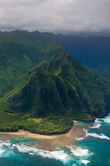 North Coast (taycirhmidi) Tags: usa hawaii coast paradise aerial helicopter kauai tropical hi lush reef gree northcoast keebeach napalicoast haenastatepark