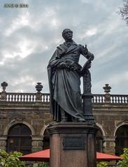 "Dresden, Denkmal ""Carl Maria von Weber"", Oktober 2014 (joergpeterjunk) Tags: oktober statue dresden outdoor gebude denkmal 2014 historisch carlmariavonweber"
