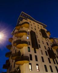 Soucoupes (Tristan VANDENBERGHE) Tags: blue architecture jaune perspective bleu flare nuit sodium lampadaire contemporain
