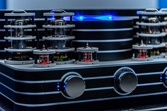 Tube Connection (*Capture the Moment*) Tags: music bokeh sony details tube musik amplifier westend highend verstrker 2016 lenbachhaus rhren nahaufnahmen tubeamplifier rhrenverstrker sonya7ii sonysel90m28g playbackroom