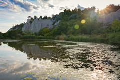 Scarborough Bluffs Park (A Great Capture) Tags: lilypads sky reservoir lake july sundown dusk sunset sunflare reflection sun water scarboro scarborough thebluffs blufferspark bluffs agreatcapture agc wwwagreatcapturecom adjm toronto on ontario canada canadian photographer ash2276 ashleylduffus ald mobilejay jamesmitchell summer summertime 2016 mirror 70d canon cloud clouds blue green white brown tree trees greatlake greatlakes ig