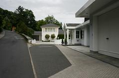 Am Wingertsberg, Bad Homburg 2016 (Spiegelneuronen) Tags: badhomburg wingertsberg wohnhaus