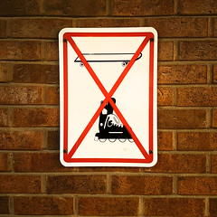 Skateboarding Rollerblading Prohibited Sign (Exile on Ontario St) Tags: sign pancarte affiche signalisation warning avertissement signs signe panneau dfense dfendu prohibition prohibited forbid forbidden interdit interdiction montreal wall dont skateboard skateboarding rollerblading rollerblade patin patins patinage patiner rouesalignes rollers roller planche roulette skate board skating roulettes rouler roues alignes patinsroulettes patinroulette rollerskating square squareformat complexeguyfavreau guyfavreau complexe guy favreau government building difice