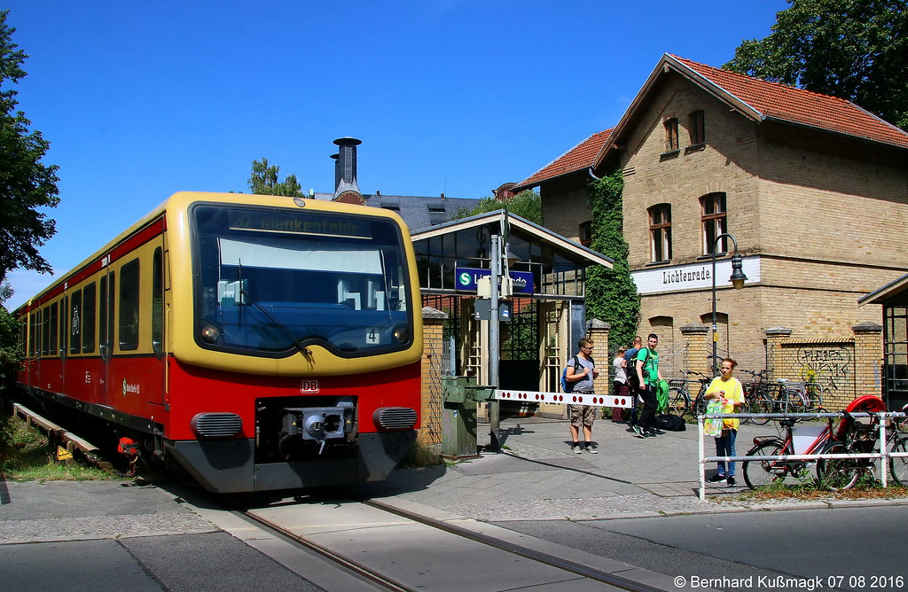 the world 39 s best photos of berlin and suburbantrain flickr hive mind. Black Bedroom Furniture Sets. Home Design Ideas