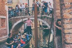 Ephemere 117 (lunecoree) Tags: venise italie gondole canal canon eos 30d sigma 35mm art
