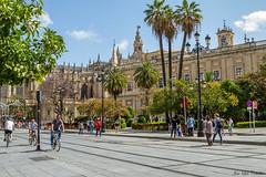 Sevilla (JLCB PHOTO) Tags: sevilla andalucia espaa region provincia giralda catedral farolas retrato piedra historia muralla ciudad centro hitorico giraldillo fotoquivir fuente monumento reflejo agua