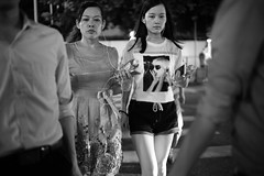 . (Salmonpink) Tags: distagon 35mm f14 zm sony ilce7rm2 streetbeauty shenzhen explored inexplore huaqiangbei