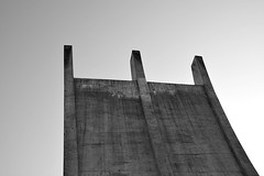 Berlin Airlift Memorial II (ericgrhs) Tags: berlin tempelhof luftbrckendenkmal luftbrcke airliftmemorial monument memorial denkmal