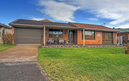 11 Kruger Avenue, Windang NSW 2528
