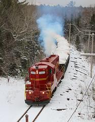 New favorite RR with an old name (view2share) Tags: november snow mi mr michigan rr 2014 ishpeming gp9 mrrr mineralrange november2014 november102014 mr1323 landingjct