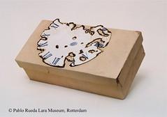 "karton-cardboard-carton (20) (Pablo Rueda Lara 1945-1993) Tags: realistisch realistic realistichkeramiek realisticceramic""keramieken karton"" ""ceramic cardboard"" museumvoorkeramiekpabloruedalara pabloruedalara museumpabloruedalara pablo rueda lara keramiek ceramic ceramico karton cardboard carton realisticceramicrealismoceramico ""keramieken ´carton de ceramica´"