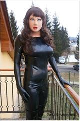 P2140323f (Sarka Encasement) Tags: shiny doll rubber latex catsuit